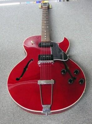 Gibson ES-135 Cherry 2