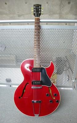 Gibsonb ES-135 Cherry 1